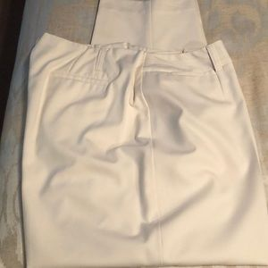 Talbot Woman cream ankle pants NWOT